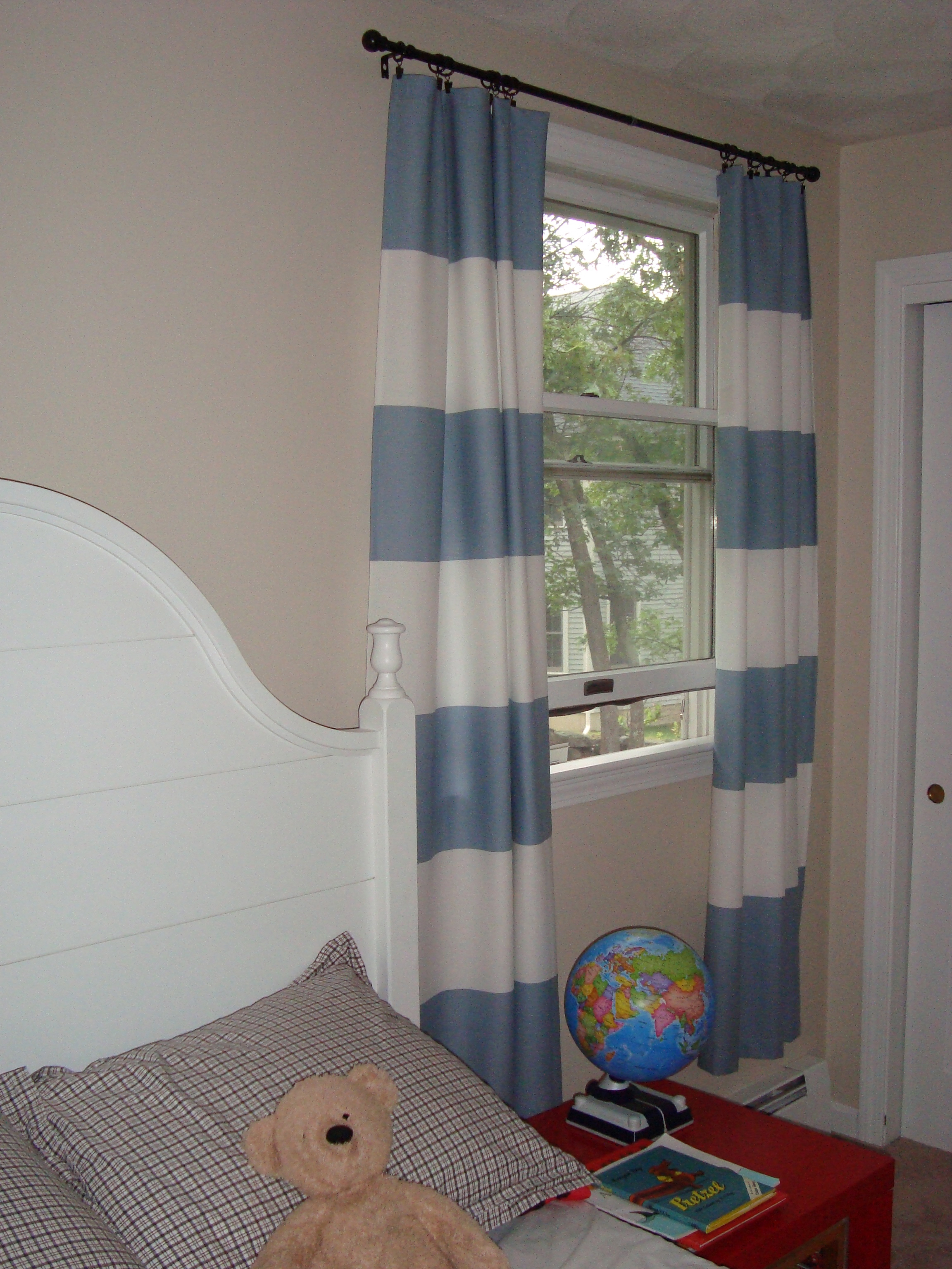Blue And White Striped Bathroom Blinds: Horizontal Stripe Drapes