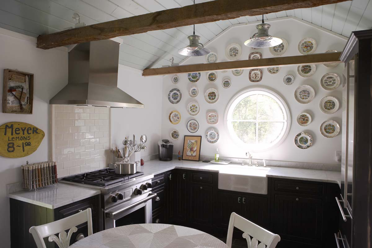 Madcap cottage a visual antidepressant the mudroom for Kitchen designs hobart
